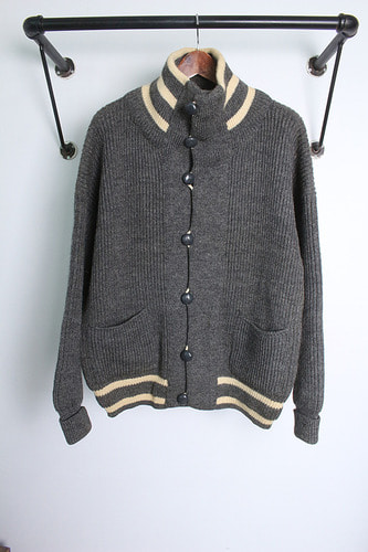 "Dulyn Knitwear  (M~L) made in UINTED KINDON ""BRITISH WOOL"""