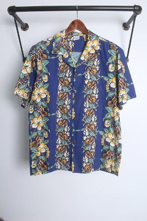 "ISLAND  WEAR(L)""made in Hawaii"""