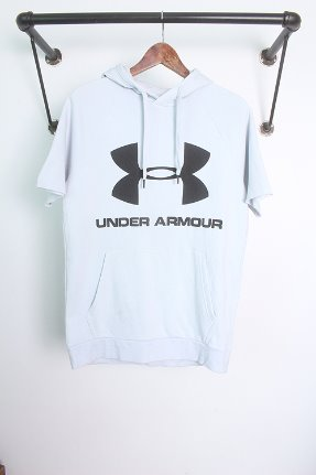 UNDER ARMOUR (S~M)