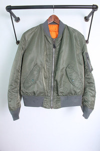 "ALPHA INDUSTRIES INC. (L) made in USA ""ma-1"""