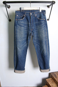 Levi's (31~33) made in USA